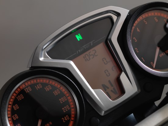 BMW R nineT detail dash closer