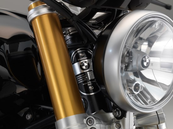 BMW R nineT detail koplamp