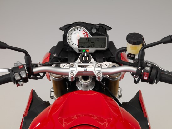 BMW S 1000 R detail dash close