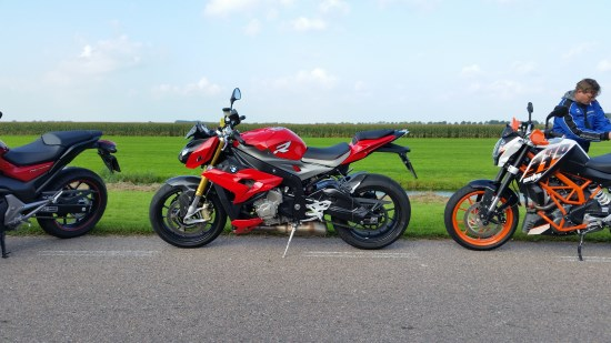 BMW S 1000 RR links