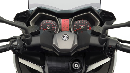 2013-Yamaha-X-MAX-400-Detail dash close