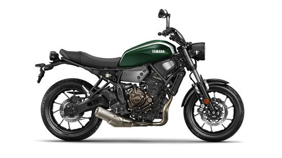 2017-Yamaha-XSR700-EU-Forest-Green-Studio-002