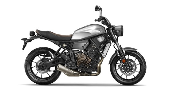 2017-Yamaha-XSR700-EU-Garage-Metal-Studio-002